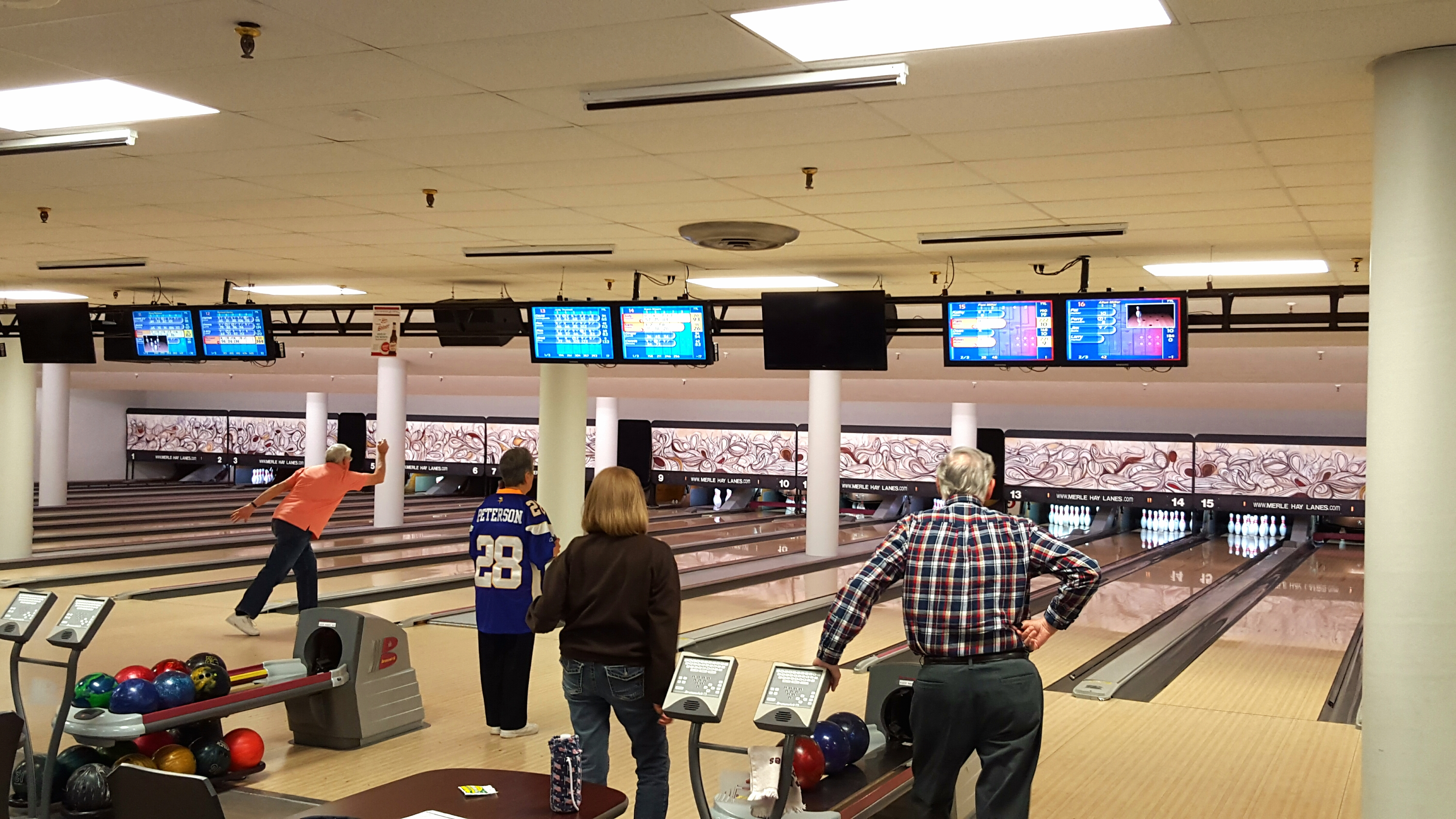 Top 25 Hotels Near Merle HAY Lanes in Des Moines, IA ...